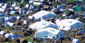 ar09_ch3-9_refugeecamp